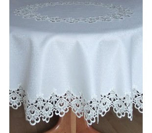 Round tablecloth with lace